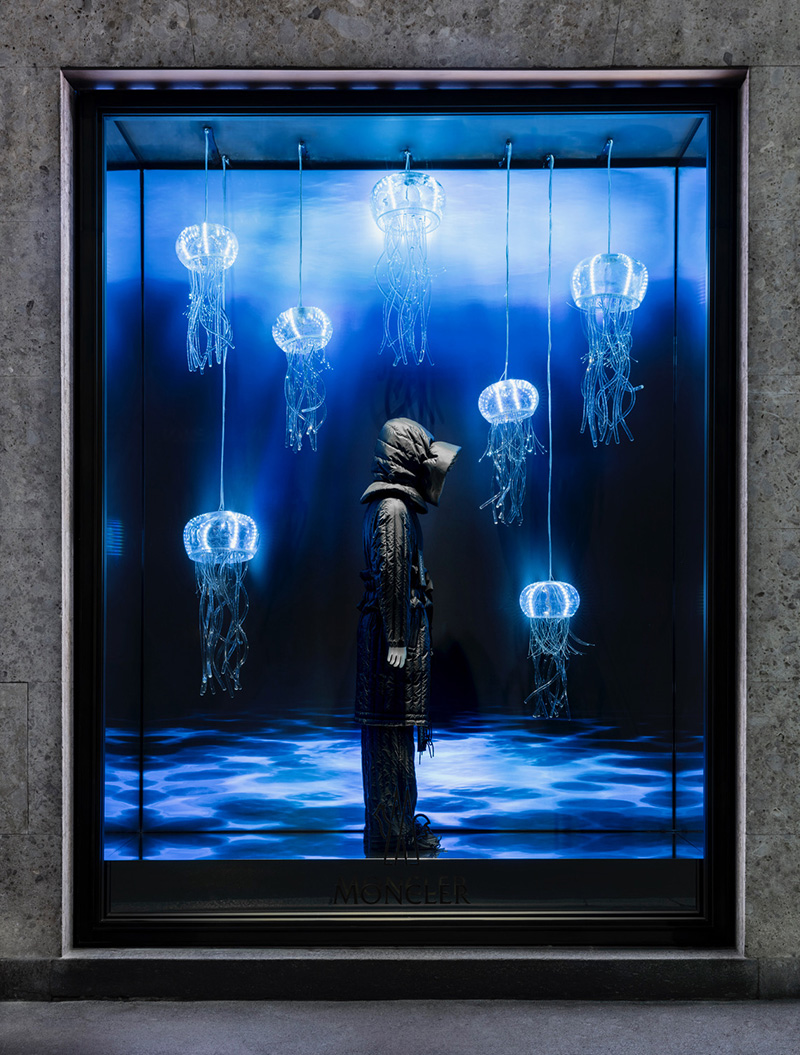 ABS Group - Moncler lightbox dinamico